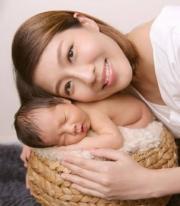 敏之與睡寶寶。