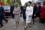 2015年10月,前左為康沃爾公爵夫人卡米拉、前右為中國國家主席夫人彭麗媛(法新社)