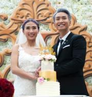陳柏宇和太太接受在場超過200位親友的祝福。(攝影:鍾偉茵)