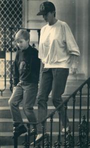 戴安娜(右)與威廉王子(左)(法新社資料圖片)