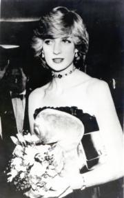 1982年12月,戴安娜出席《ET外星人》首映活動。(資料圖片)