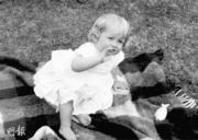 戴安娜1962年兒時照片(法新社黑白資料圖片)