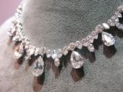 A diamond fringe necklace by Bulgari.(黃廷希攝)