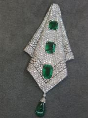 An early 20th century emerald and diamond pendant.(黃廷希攝)