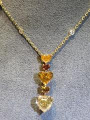A coloured diamond and diamond pendant necklace, by Chatila.(黃廷希攝)