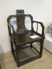 清 黑漆描金山水花卉紋扶手椅(黃廷希攝)