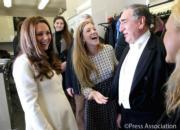 2015年3月,懷孕中的凱特(左)(The Royal Family facebook圖片)