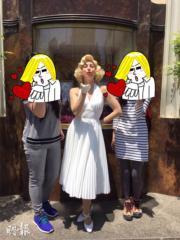 【大阪環球影城】在荷李活區的大街上,巧遇「瑪麗蓮夢露」。(黃廷希攝)