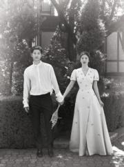 兩人在歐洲拍攝的結婚照有格調。(網上圖片)