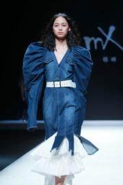 【中國國際時裝周】M.X系列 (設計師:楊珊)(法新社)
