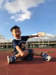 細孖翔翔是籃球控,很喜歡球類運動,有父親遺傳因子。