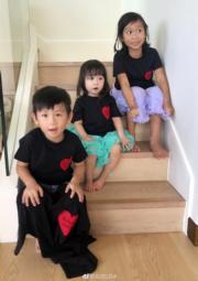 5歲大家姐陳雅薷(右一)、2歲三女陳若嫣及4歲二仔陳璟逸(中),一級級長大的陳家三姊弟。