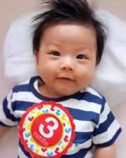 「小春雞」3個月大時影相留念,相信不少父母都會如此。