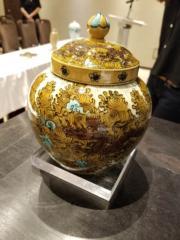 明.成化素三彩姹紫龍紋蓋罐(估價800萬至1000萬港元)