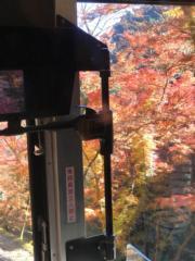 【日本紅葉】在高尾山乘坐纜車登山。