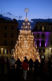 【世界各地聖誕樹】意大利羅馬著名景點西班牙階梯(Spanish Steps)(法新社)