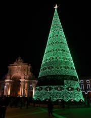 【世界各地聖誕樹】葡萄牙首都里斯本Comercio Square(新華社)