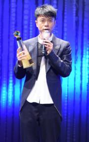 李克勤出席首場《十大中文金曲》頒獎禮時,因為無需獻唱而自嘲表演講多謝。(資料圖片)