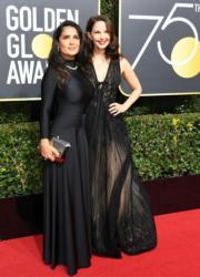 莎瑪希恩(Salma Hayek,左)及艾絲莉茱迪(Ashley Judd,右)