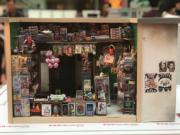 【喜•細看香港 新春微型藝術展@奧海城】士多(歐嘉俊攝)