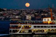 2018年1月31日,土耳其伊斯坦堡上空的超級藍月血月 (法新社)