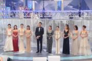 8位女藝員組成鑽石評判團。
