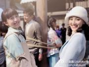 龔嘉欣與陳凱琳望鏡甜笑。(網上圖片)