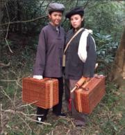 「澄澄」陳庭欣與「惟明」譚凱琪穿男裝。(網上圖片)
