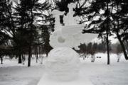 第五屆「冬之韻」全國大學生雪雕比賽的二等獎作品——大慶師範學院的《丹鳳朝陽》。(新華社)