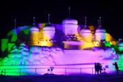 內蒙古呼和浩特首屆呼和塔拉冰雪旅遊文化節的雪雕。(中新社)