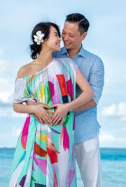 胡杏兒去年中懷孕時,與丈夫李乘德(Philip)飛往馬爾代夫旅行,2人站在海邊甜蜜對望,相視而笑地宣布將為人父母的喜訊。