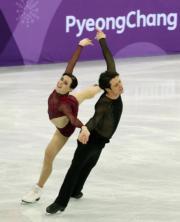 【平昌冬奧】加拿大隊在冬奧會奪得花樣滑冰團體金牌。(中新社)