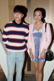 去屆華姐冠軍余思霆(右)跟男友赴宴。(攝影:黃梓烜)