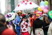 【復活節花帽巡遊——紐約】(新華社)
