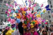【復活節花帽巡遊——紐約】(法新社)