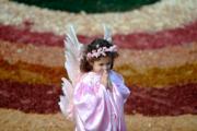 【復活節——巴西】4月1日,巴西米納斯吉拉斯州(Minas Gerais)舉行活動,有女孩打扮成小天使。(法新社)