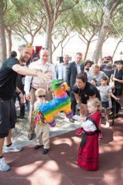 摩納哥Jacques小王子(前排左二)和Gabriella小公主(前排右一)(Prince's Palace of Monaco facebook圖片)