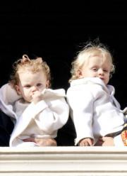 摩納哥王妃維特斯托克的一對龍鳳胎,小公主加萊列拉(左)和小王子雅克(右)。(資料圖片/PPE/Sipa USA/Newscom)
