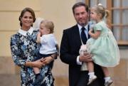 瑞典馬德萊娜公主(Princess Madeleine,左)於2014年及2015年先後誕下Leonore小公主及Nicolas小王子。(kungahuset facebook圖片)