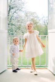 2017年,瑞典女王儲的一對子女:愛絲黛小公主(Princess Estelle)和奧斯卡小王子(Prince Oscar) (kungahuset facebook圖片)