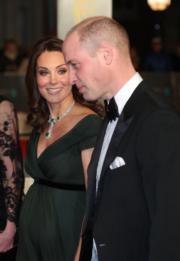 2018年2月18日,英國劍橋公爵威廉王子(右)及夫人凱特(左)出席有「英國奧斯卡」之稱的英國電影學院頒獎禮(BAFTA)。(法新社)