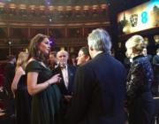 凱特(左)挺着巨肚出席英國電影學院頒獎禮。(Kensington Palace Twitter圖片)