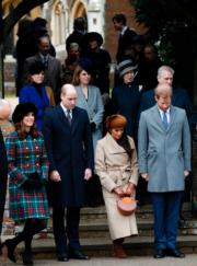 前排左:凱特、威廉王子、馬克爾、哈里王子出席聖誕崇拜。(法新社)