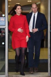 2017年12月,英國劍橋公爵威廉王子(左)與夫人凱特(法新社)