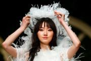【西班牙巴塞隆拿婚紗時裝周】(法新社)