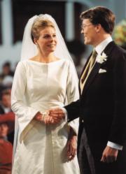 2001年,荷蘭國王的弟弟Prince Constantijn與Laurentien結婚。(www.royal-house.nl網站圖片)