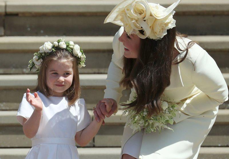 【哈里大婚】小公主花女造型:Princess Charlotte 跟「嬸嬸」Meghan 同穿 Givenchy