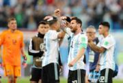 【世界盃‧阿根廷挫尼日利亞2:1】阿根廷前鋒美斯 (前) (新華社)