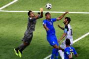 【世界盃‧巴西對哥斯達黎加】哥斯達黎加門將Keylor Navas (左)(法新社)