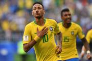 【世界盃16強-巴西挫墨西哥2:0】尼馬(前)(法新社)